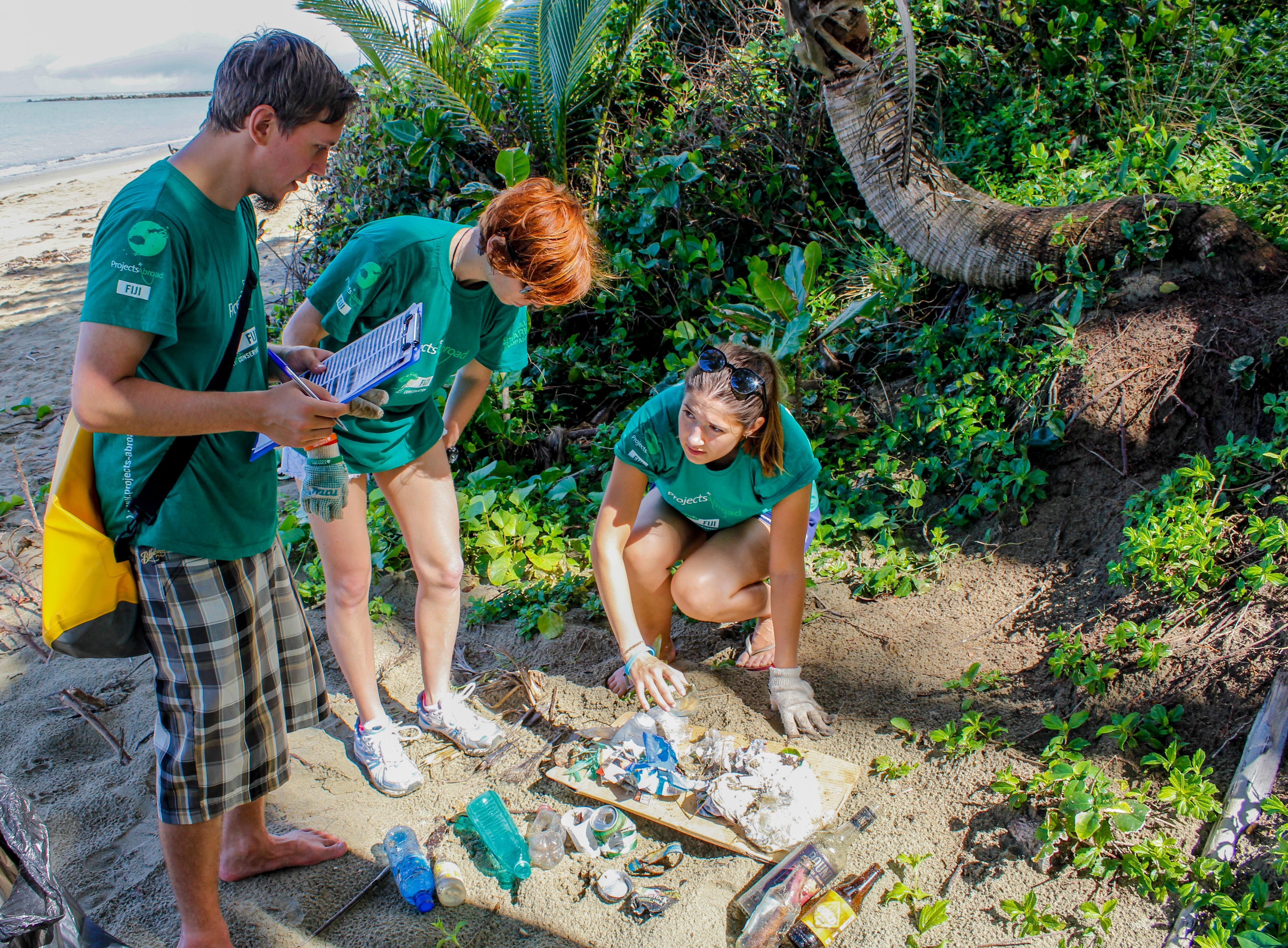 Conservation volunteers clean up Fiji's marine habitats